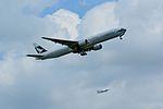 Cathay Pacific Airways, Boeing 777-300 B-HNO NRT (22593135650).jpg
