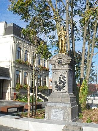 Attiches - The town hall and war memorial in Attiches