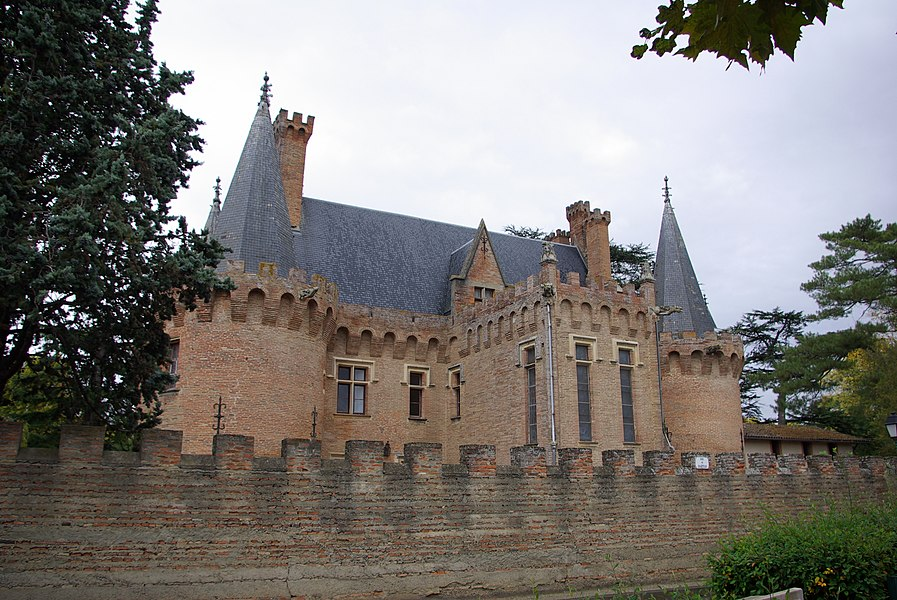 Château de Brax (Haute-Garonne, France).