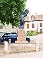 Châteauneuf-FR-21-monument aux morts-03.jpg
