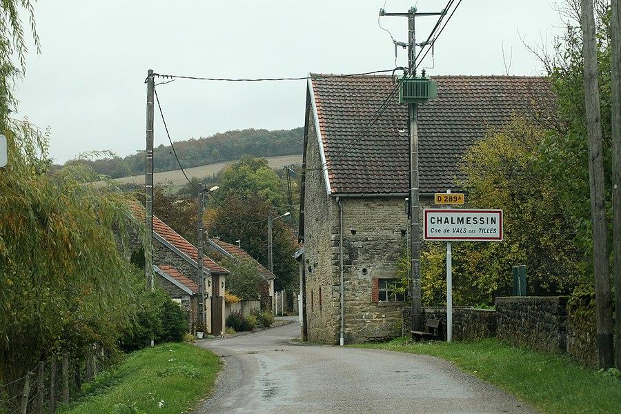 Entrée du village de Chalmessin (Haute-Marne).