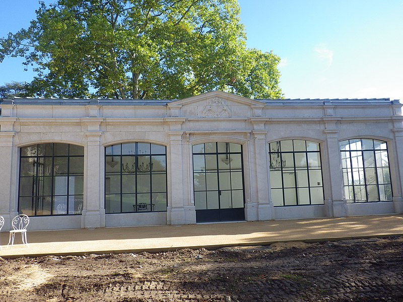 Orangerie, restaurée en 2013, annexe du Château de Voltaire à Ferney-Voltaire. Construite au 19e siècle, elle est maintenant appelée à être un lieu d'accueil et de réception.