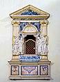 Chiesa di Sant'Agnese in Agone edicola marmorea piazza Navona Roma.jpg