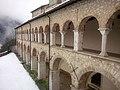 ChiostroS.Pietro. Ripresa esterna dei due livelli da palazzo Mongalli. Gran freddo.jpg