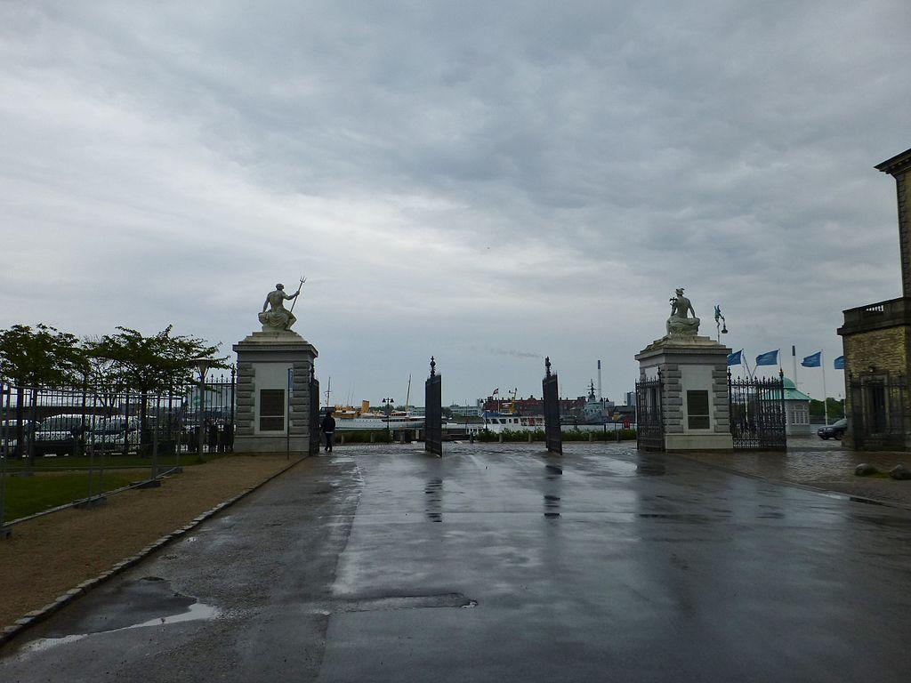 File:Churchillparken (street) 03.JPG