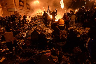 2014 Ukrainian revolution - Protesters fighting government forces on Maidan Nezalezhnosti in Kiev on 18 February 2014.