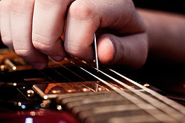 Come tenere il plettro how to hold the pick