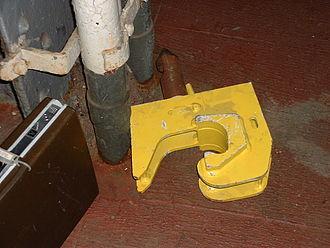 Dual coupling - Image: Coupler Adapter Penn Stn.agr