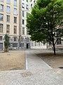 Cour des Moirages (Lyon) en mai 2019.jpg