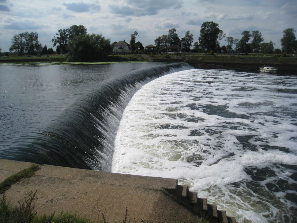 Cromwell Weir - Nottinghamshire (Geograph 2561867 by Jonathan Thacker)