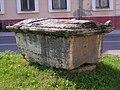 Dél-Komárom - Roman sarcophagus at the Szent István téren.jpg