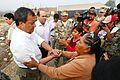DAMNIFICADOS DE CARAPONGO RECIBIERON DESAYUNO PREPARADO POR EL EJÉRCITO (33642232066).jpg