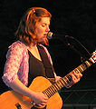 Dar-Williams-2004-07-18.jpg
