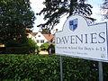 DaveniesSchool.jpg