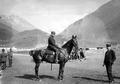 Der internierte französische Flieger Gilbert zu Pferd - CH-BAR - 3241667.tif