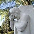 Detail van beeld - monument ter ere van de oorlogsslachtoffers - Arnhem - 20415214 - RCE.jpg