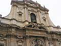 Dettaglio stemma della chiesa.jpg