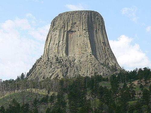 Devils Tower Wy >> High School Earth Science/Weathering - Wikibooks, open books for an open world