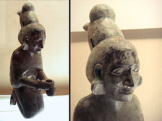 Jinning District - Dian Kingdom woman (246 BCE- 8 CE), excavated in  Shizhaishan, Jinning (晋宁区石寨山). Shanghai Museum.
