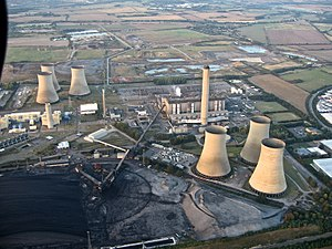 Didcot - Aerial view of Didcot Power Stations A (centre) and B (extreme left)