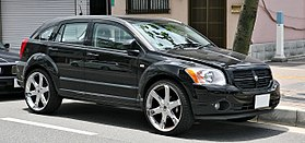 https://upload.wikimedia.org/wikipedia/commons/thumb/5/50/Dodge_Caliber_001.JPG/280px-Dodge_Caliber_001.JPG