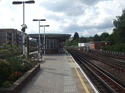 Dollis Hill stn eastbound look west