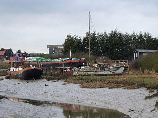 Downstream of Battlesbridge Mill - geograph.org.uk - 1719244