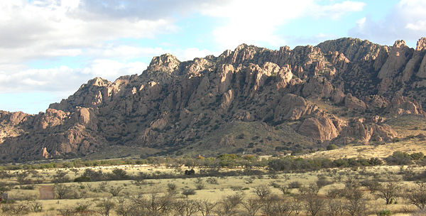 Dragoon Mountains Southeastern Arizona, where Cochise hid with his warriors DragoonMountains.JPG