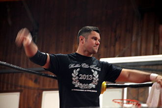 Eddie Edwards (wrestler) - Edwards at independent circuit in November 2013
