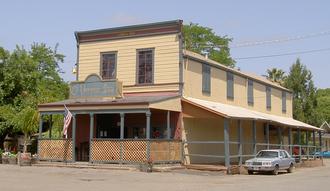 El Verano, California - the El Verano Inn at the corner of Bay and Laurel