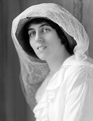 Eleanor Wilson McAdoo - Eleanor Wilson by Harris & Ewing circa 1910