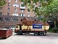 Emptying a garbage bin, 2013 07 22 -u.JPG