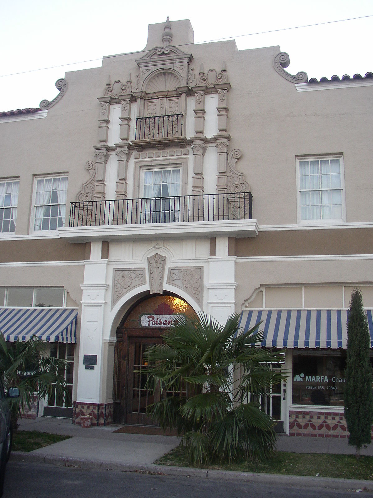 el paisano hotel wikipedia