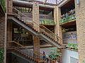 Escaleras internas del EdificiosVásquez. Medellín.JPG