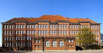 Bullenhuser Damm - The school at Bullenhuser Damm