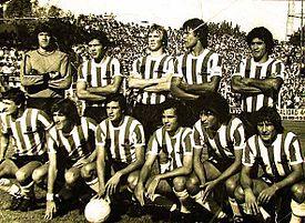 48b407fc55f8a Una formación del equipo campeón del Torneo Metropolitano 1982.