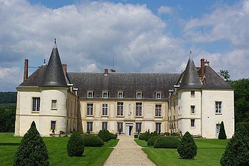 Façade du château de Condé