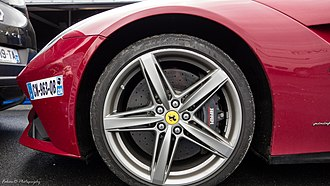 Ferrari F12 - The F12berlinetta has carbon ceramic brakes as standard equipment