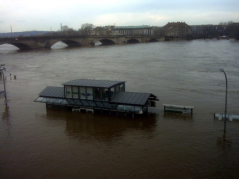 File:Flood dresden april2006 004.jpg