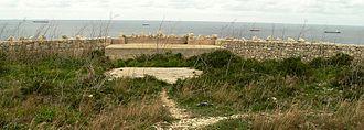 Fort Campbell (Malta) - The perimeter wall