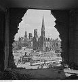 Fotothek df ps 0000044 001 Blick aus einer Ruine über die Straßenbahnhaltestelle.jpg
