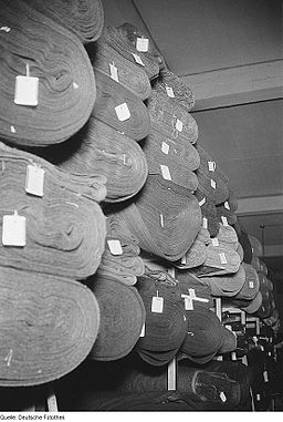 Fotothek df roe-neg 0006287 001 Stoffballen in einem Textilwarenladen