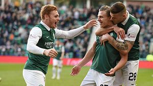 Jason Cummings - Cummings (centre) playing for Hibernian in 2016.