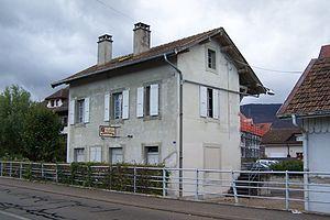 Crassier - Image: Gare de crassier 2