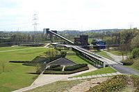 Gelsenkirchen - Nordsternpark - Kohlenbunker+Bandbrücke+Kohlenmischanlage (Pyramide) 03 ies.jpg