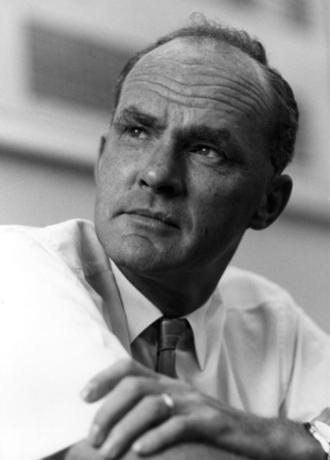 Hammond's postulate - George Hammond developed the postulate during his professorship at Iowa State University