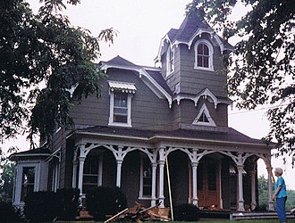 Warren H. Hayes - The former George Hayes home in Penn Yan, NY during its 1989 remodeling