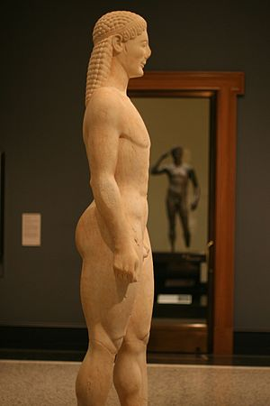 Getty kouros - Side view of the kouros.