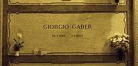 Giorgio Gaber grave Milan 2015.jpg