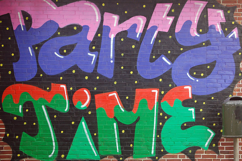 File:Graffiti Party Time 01.JPG